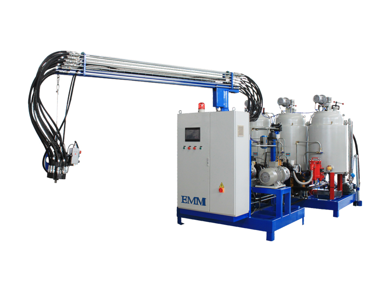 Pu Foam Injecting Menampilkan Membuat Mesin